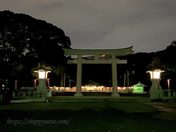 夜の護国神社